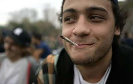 Stoned jeune