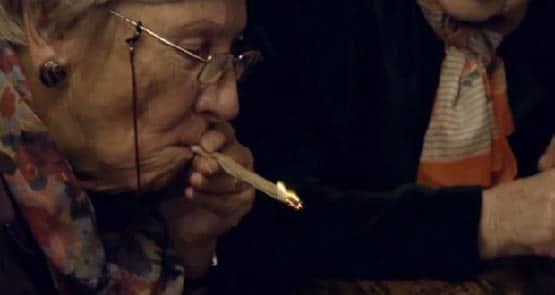 granny-smoke-weed-620x330