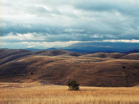 Landscape, Gran Sasso, Abruzzi, Apennines, Italy --- Image by © Ted Levine/Corbis