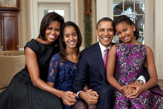 Barack_Obama_family_portrait_2011-768x512