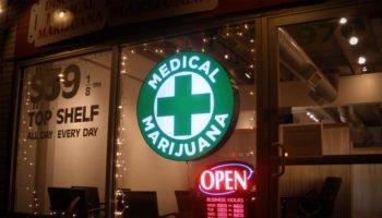 Pourquoi Big Pharma combat la marijuana ?