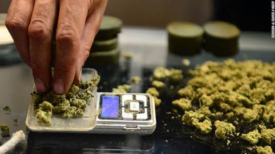160629123511-marijuana-california-780x439