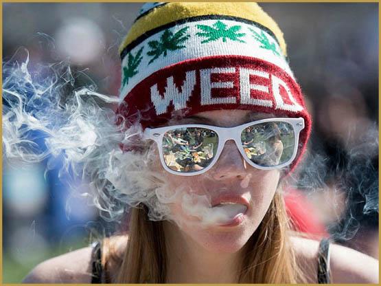女人,加拿大烟大麻-AP-640x480