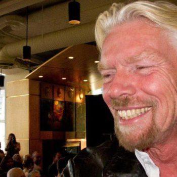 Richard Branson arrive en Nouvelle-Zélande