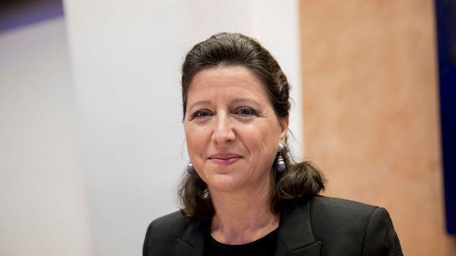 Débordée par le succès du CBD en France, la ministre de la santé veut légiférer.